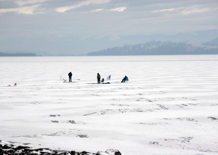 people_ice_fishing