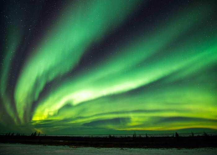 northern lights lighting up the sky