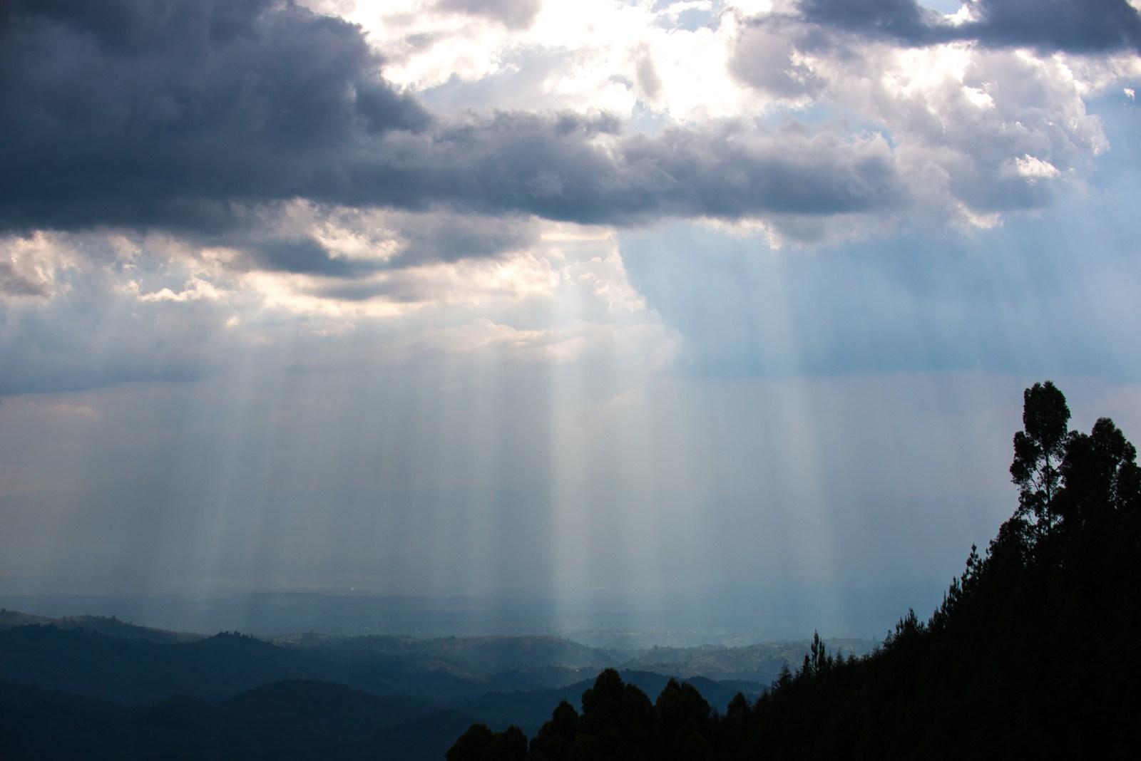 DOT_Doleac_Uganda_Clouds-7811