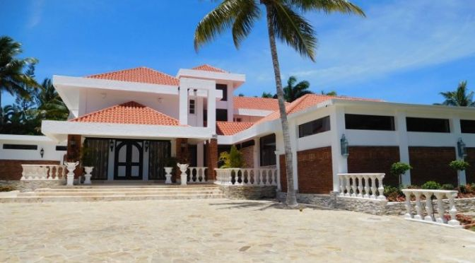 Huge 5 bedroom Villa in prestigious gated resort …