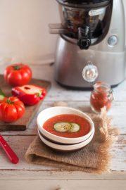 recette-extracteur-jus-kuvings-gaspacho-mariechioca