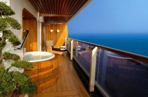 Hot Tub on Pinnacle Suite Balcony