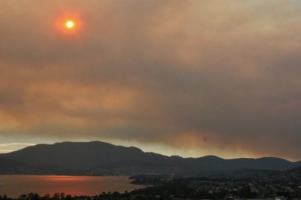 El Niño could stoke more extreme bushfire weather. Image: James975/Flickr