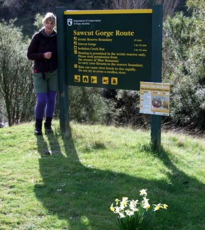 Start of Sawcut Gorge track