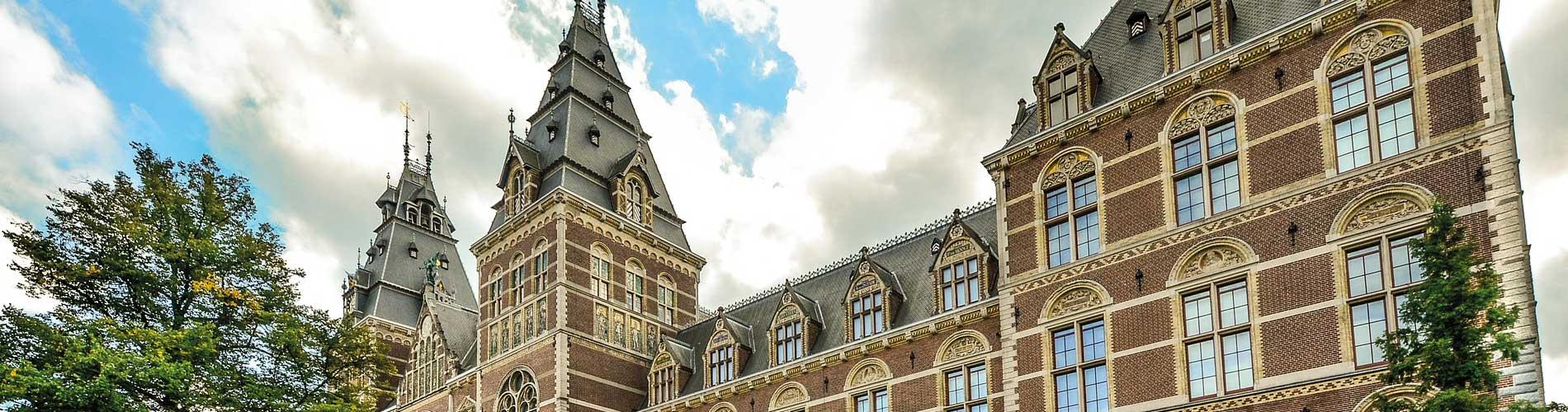 Blog_BestMuseumsAmsterdam_Rijksmuseum_1900x500_Q120
