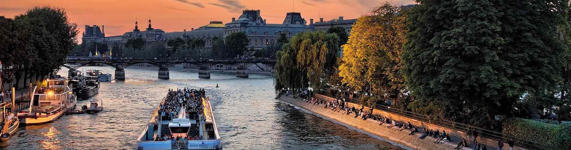 Blog_ValentinesDay_France_Paris_1900x500_Q120
