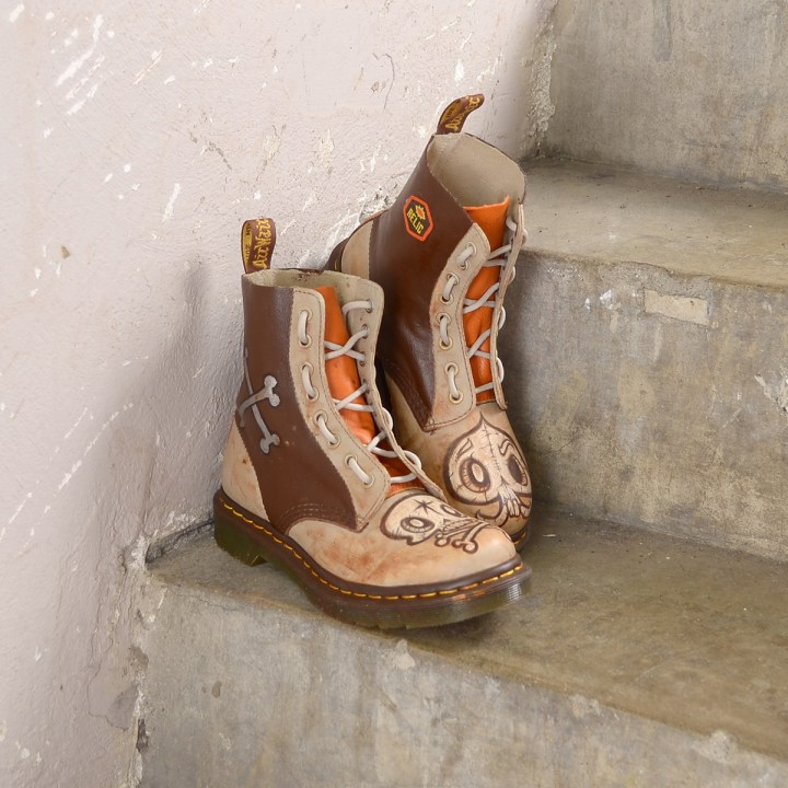 steam-crow-boots-stairs-1200x1200-1