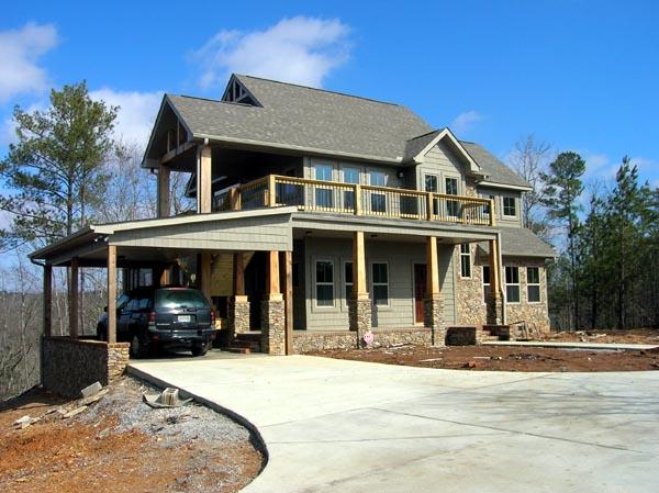 Transitional Craftsman Home Plan