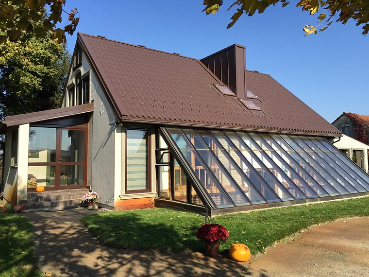 Serbian couple builds passive solar dream house family for Solar house plans