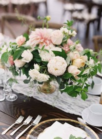 27Flora-Nova-Design-gorgeous-NW-tent-wedding