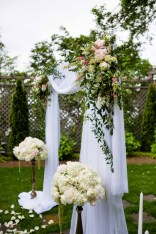 14Flora-Nova-Design-elegant-outdoor-wedding-seattle