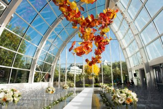 08Flora-Nova-Design-Luxe-Chihuly-Seattle-wedding