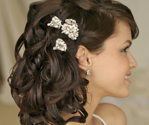 Beautiful Beach Wedding Curly Hairstyle