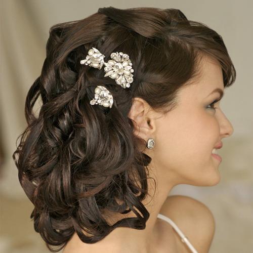 Beautiful Beach Wedding Curly Hairstyle