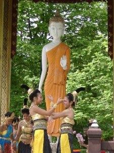 Tänzerin beim Vesakh-Fest