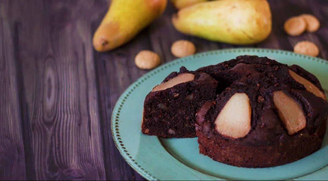 Torta Cioccolato Pere e Amaretti