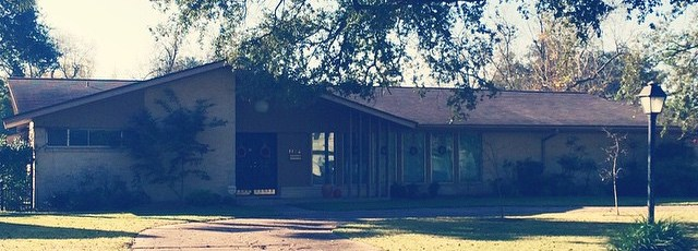 Drove-through-glenbrookvalley-in-htx-this-morning.-I-LOVE-all-those-mcm-houses-there-midcentury-sout