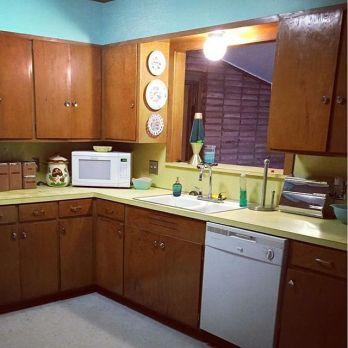 Kitchens-of-Glenbrook-Valley-midcenturyarchitecture-midcenturydesign-midcenturyliving-vintagekitchen