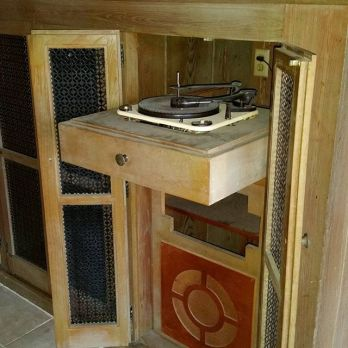 Lots-of-these-builtin-audio-systems-are-around-Glenbrook-midcenturymodern-vinylnight-midcenturyrecor