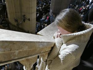 Polish-girl-pray