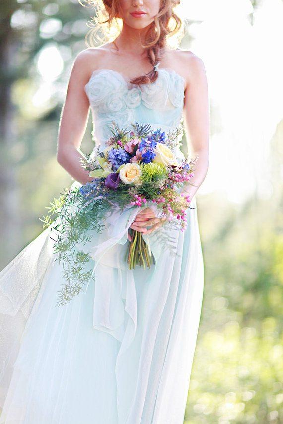 Mariage joli bouquet de mari e et robe happy chantilly - Bouquet mariee bleu ...