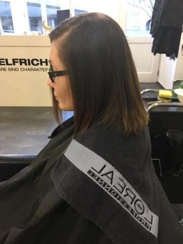 Trockene Haare können beim Friseur in Esslingen schnell wieder gesund werden und glänzen