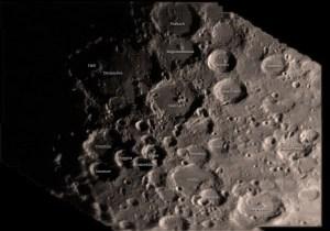 Wohl ein äußerst interessanter Name für einen Krater