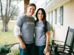 Original_Fixer-Upper-Gift-Guide-18-Shiplap-Shirts