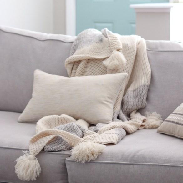 throw-pillow-blanket