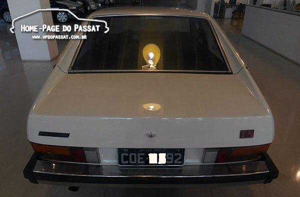 Placa treta: TS 1981 exibindo a placa preta