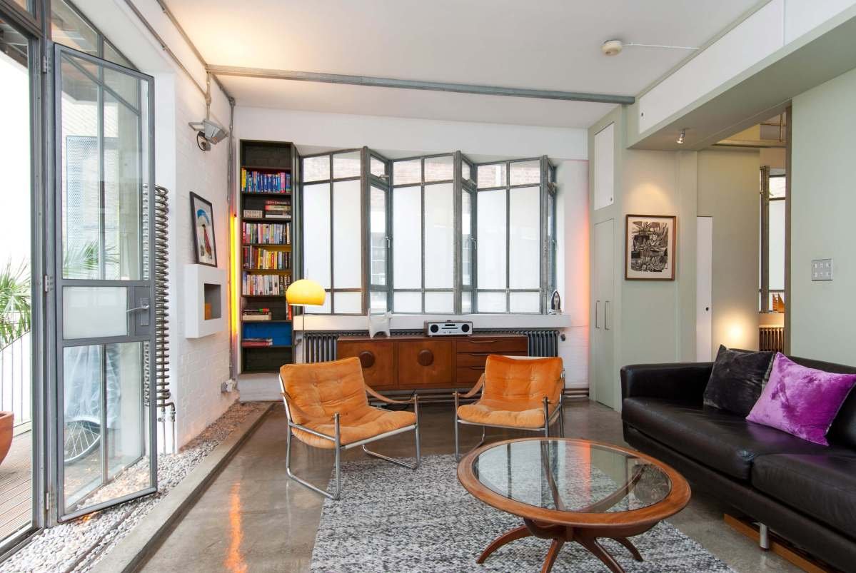 Authentic and Flexible 1 or 2 Bedroom Loft Apartment in Great Sutton Street, Clerkenwell, EC1