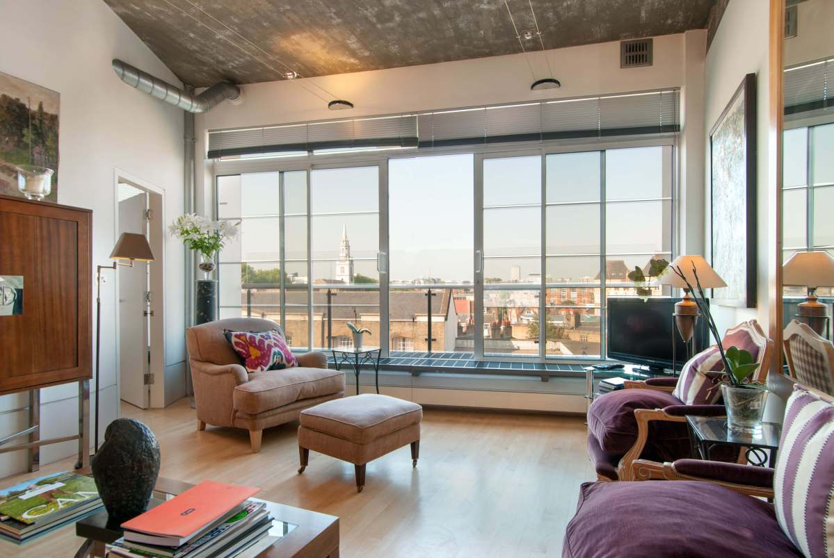 Stunning 2 Bedroom Loft Apartment in The Paramount, St John Street EC1