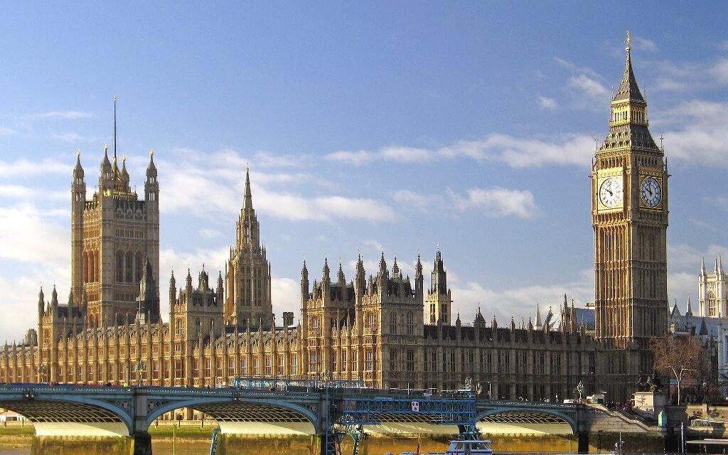 Top 10 UK Celebrity homes for 2014