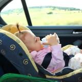 Cómo conseguir que los niños viajen seguros en el coche