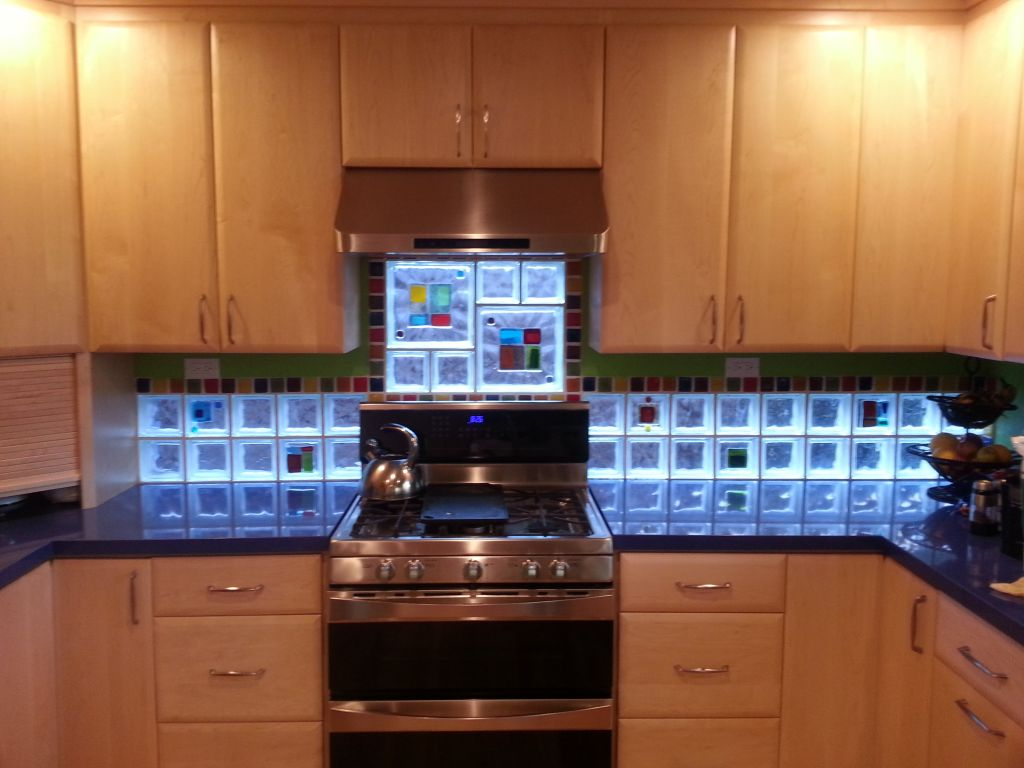 project spotlight art glass tile blocks kitchen backsplash add light color privacy style glass tile kitchen backsplash Art glass tile blocks used in a kitchen backsplash