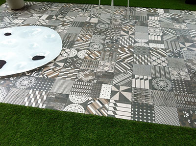 Reportage salon l art du jardin au grand palais suite for Carrelage patricia urquiola