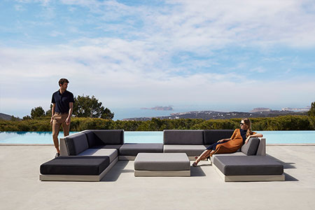 outdoor-design-furniture-avantgarde-seating-sofa-pixel-ramon-esteve-vondom