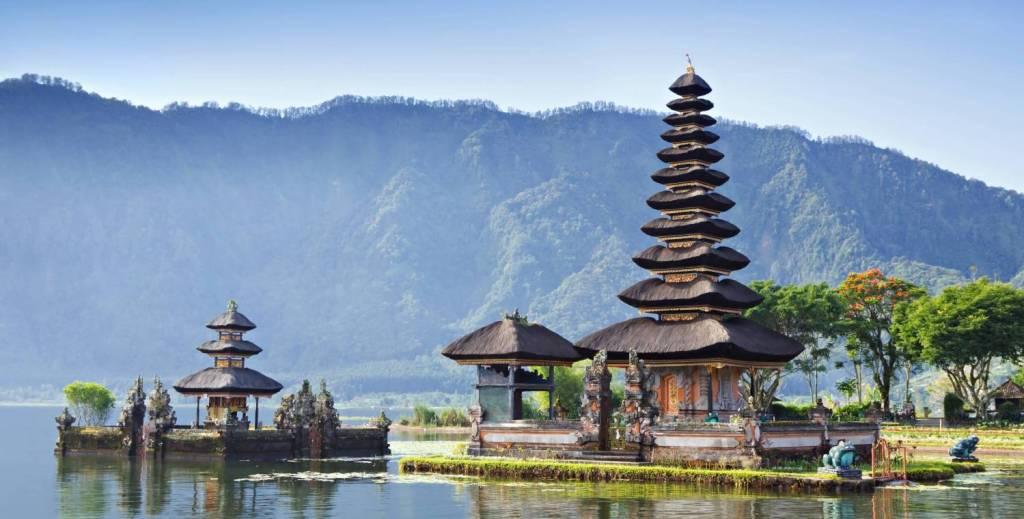 bali-indonesia-templi