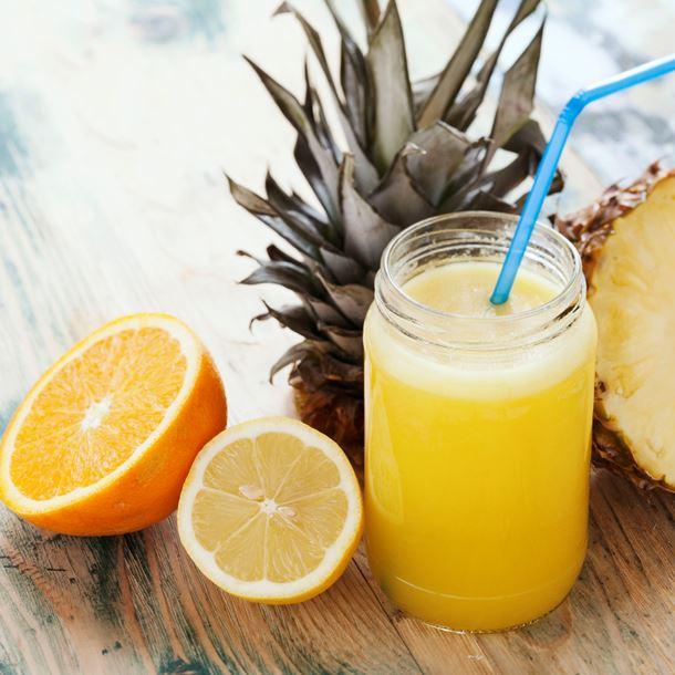 i16418-jus-vitamine-ananas-orange-et-citron