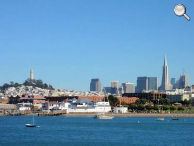 Skyline classique de San Francisco - Coit Tower et Transamerica Pyramid