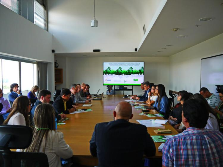 Método construyendo herramientas de cambio climático en Colombia