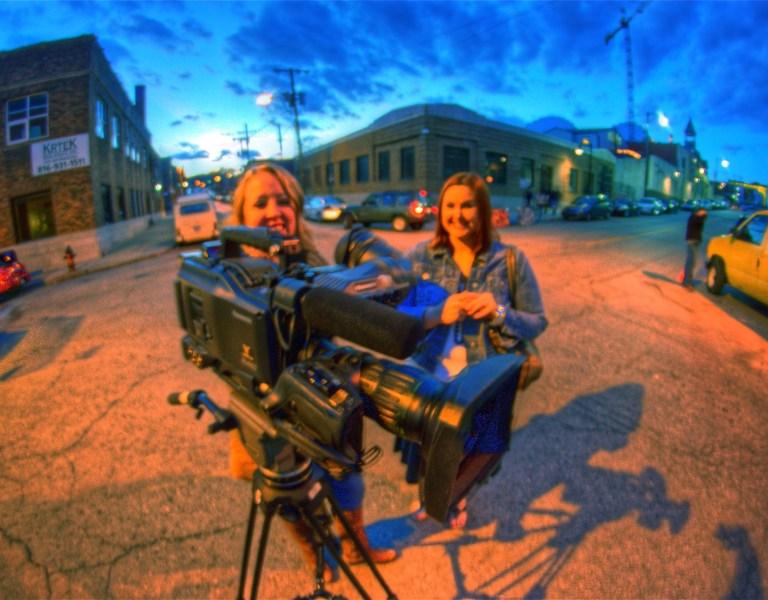 Kameraleute und Cutter verlangen mehr Produktionen aus dem Gebühren-Überschuss.