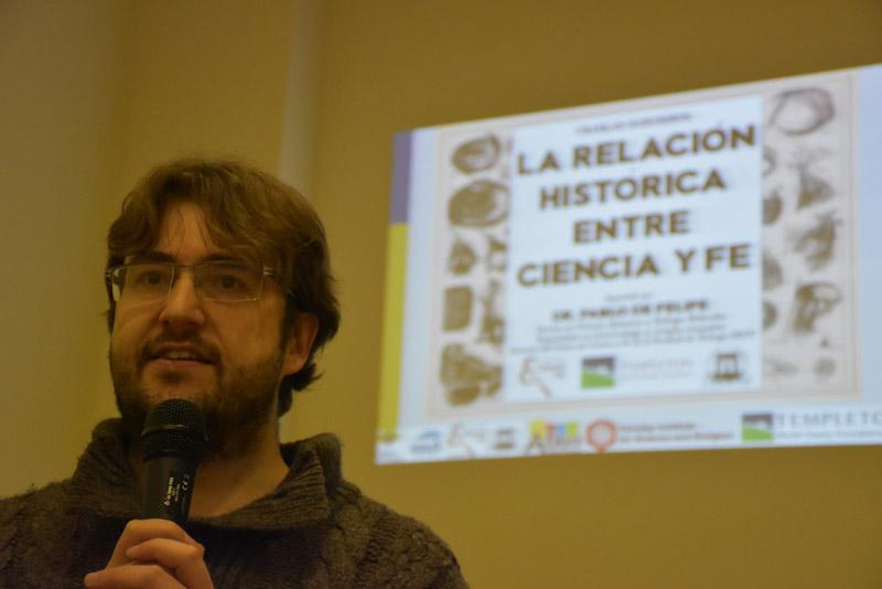 Joan González director de librería abba