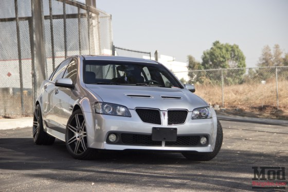 Silver Pontiac G8 Front Grille