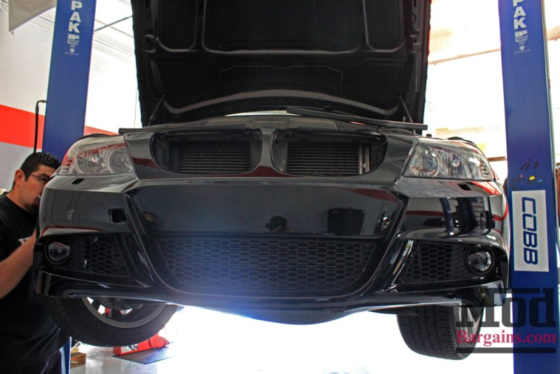 BMW_E90_LCI_Sport_Bumper_Paint-Svcs-Black_Img004