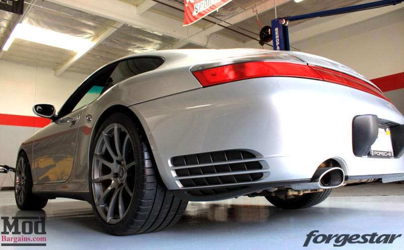 porsche-996-carrera-4s-on-gm-forgestar-cf10-img011