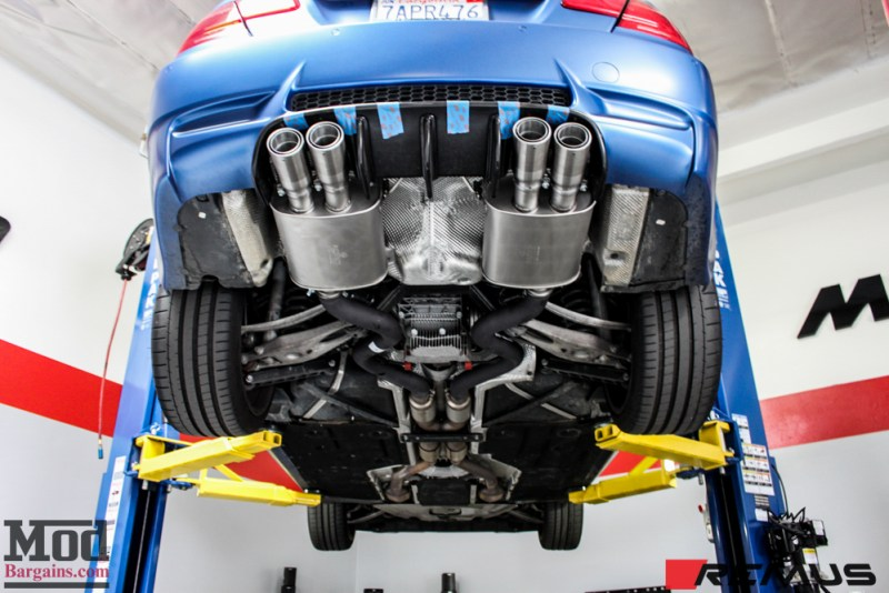 BMW_E92_Frozen_Blue_M3_Remus_US_RACE_CF_Lip_CSL_details-14