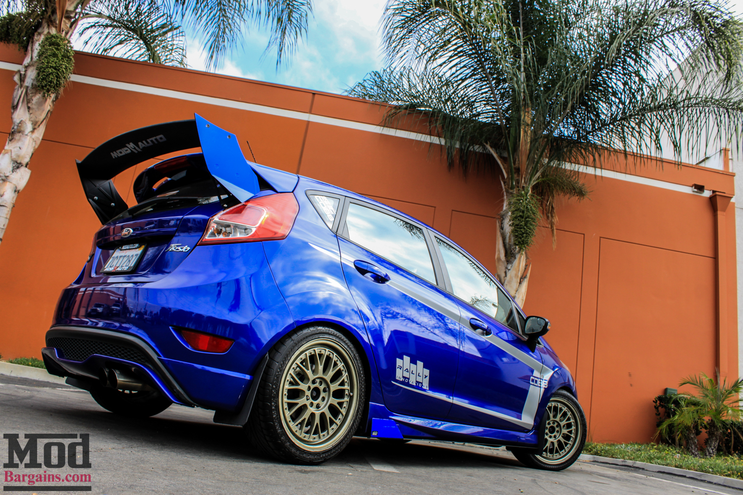 Ford_Fiesta_ST_Rally_Wings_ST_Coilovers_Gold_XXR-2