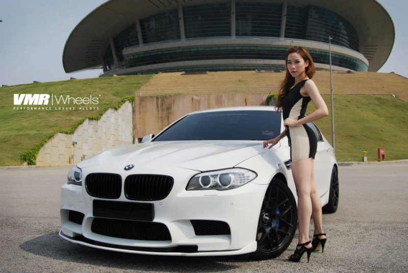 VMR_V710_19in_matteblack_BMW_F10_M5_white_img001