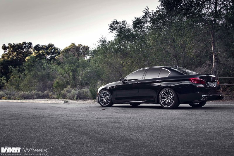 VMR_V710_20in_Gunmetal_BMW_F10_M5_Black_img006